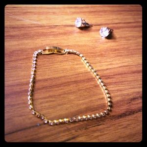 Gold minimalistic bracelet and earring set